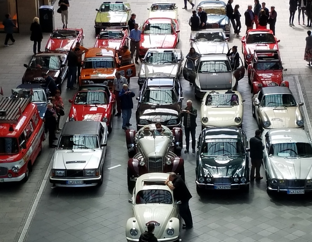 Vintage Cars at the Mall of Berlin