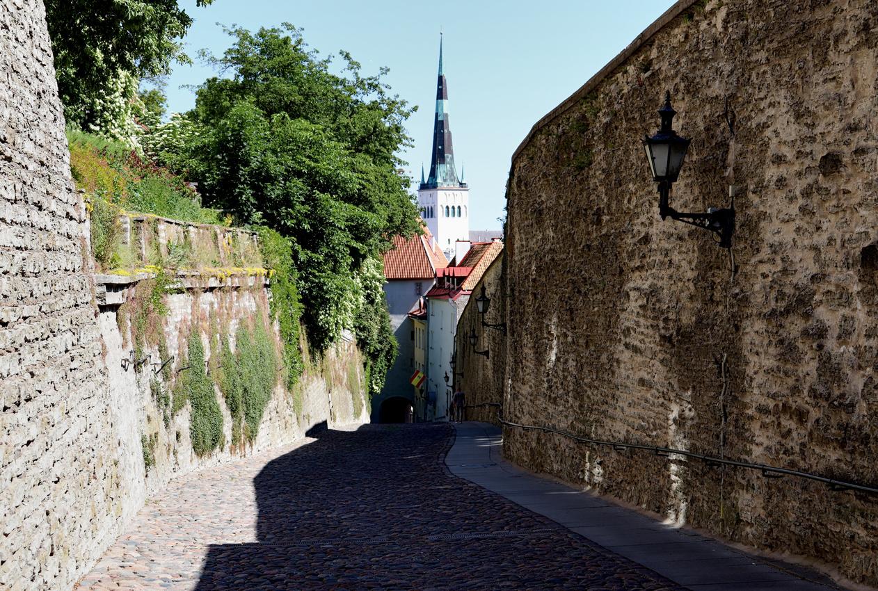 Pikk Jalg, Tallinn